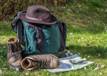 How to pack a backpack for hiking?